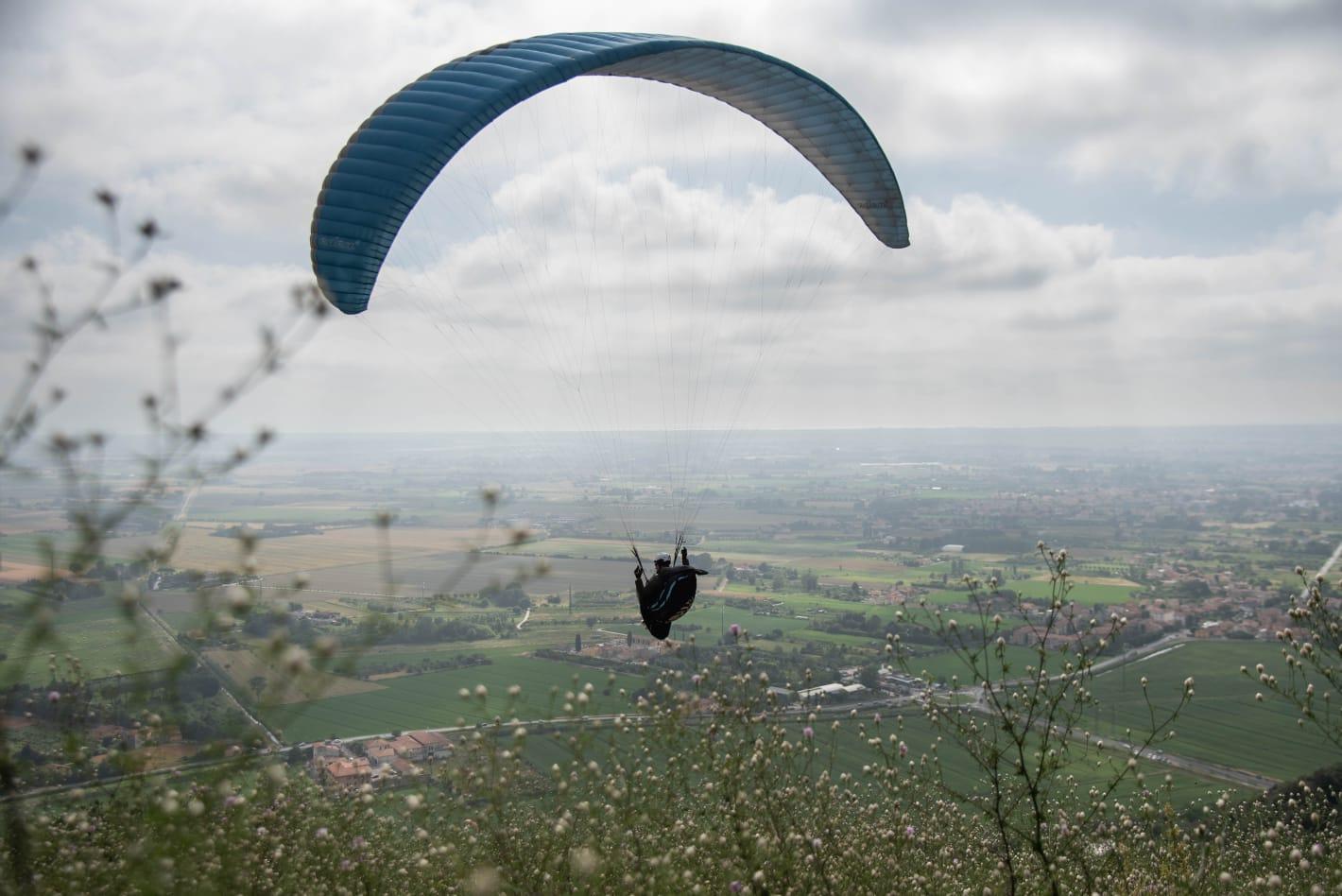 paragliding italy